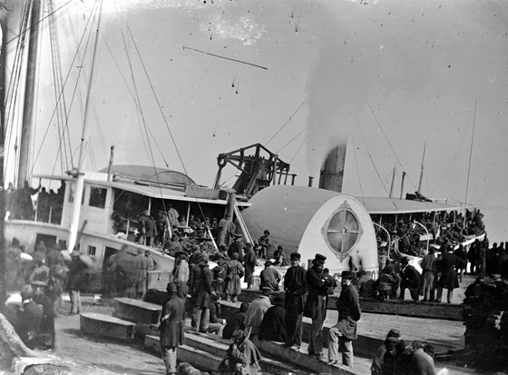 Aquia Creek Landing, Va. Embarkation of 9th Army Corps for Fort Monroe; another view 00315a