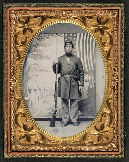 Unidentified soldier in Union uniform (in frame)